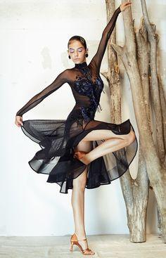 latin dress Janice - - latin dress Janice Source by sorokinabil Latin Ballroom Dresses, Ballroom Dancing, Ballroom Costumes, Latin Dance Costumes, Contemporary Dance Costumes, Salsa Dress, Tango Dress, Skating Dresses, Dance Wear