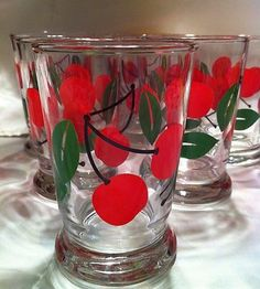 Vintage Libby Juice Glasses with Cherry Design Vintage Kitchenware, Vintage Dishes, Vintage Glassware, Libby Glassware, Vintage Love, Retro Vintage, Vintage Items, Cherry Baby, Cherry Cherry