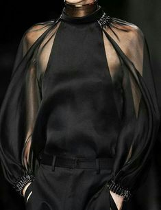 notordinaryfashion:Givenchy Haute Couture - Detail via: Style Haute Couture, Couture Details, Fashion Details, Look Fashion, Couture Fashion, Runway Fashion, High Fashion, Fashion Show, Womens Fashion