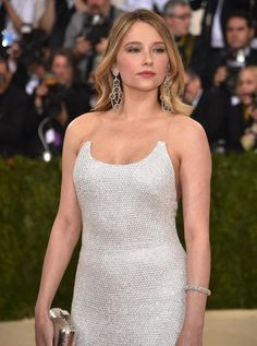 Haley Bennett, Beautiful Celebrities, Beautiful Actresses, Gorgeous Women, Beautiful People, Jenifer Lawrence, Female Actresses, Costume Institute, Belleza Natural