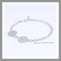 **We are Family - Die Familienkette als Armband - NEU!!! bei SCHMUCKeSTÜCKE**  Ein wunderschönes Armband mit zwei Silberscheiben als schmückende Elemente. Mit Ihren **individuellen** **Gravuren**...