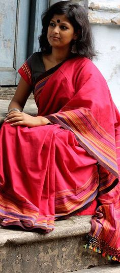 Handwoven cotton sarees from Kutchh, Gujarat -  original pin by @webjournal