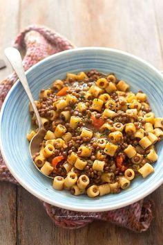 Pasta Recipes Pasta and lentils, the original recipe (fast, easy and tasty) Lentil Recipes, Veggie Recipes, Pasta Recipes, Healthy Recipes, Pasta E Fagioli, Best Italian Recipes, Lentil Pasta, Weird Food, Vegan Dishes