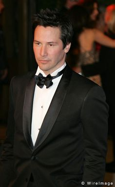 Keanu Reeves during 2006 Vanity Fair Oscar Party Hosted by Graydon Carter - Arrivals at Morton's in West Hollywood, California, United States. Get premium, high resolution news photos at Getty Images Keanu Reeves, Keanu Charles Reeves, Gorgeous Men, Beautiful People, Little Buddha, My Sun And Stars, Le Male, Famous Faces, Man Crush