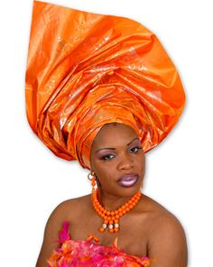 There is no better way of looking African than wearing George wrapper and blouse. African Shop, African Girl, African Wear, African Attire, African Fashion Dresses, African Beauty, African Women, African Dress, African Style