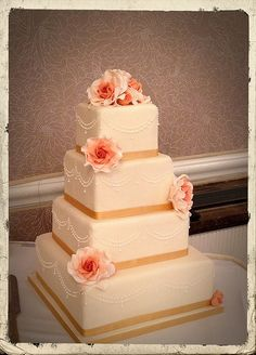 Coral & Gold wedding cake with sugar roses. Ivory & Rose Cake Co.