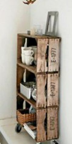 """Wooden crates DIY diy-for-my-home Love old crates and this idea for using them. I already hang them as decorative shelves to hold some of the """"random artifacts"""" I've collected(Aedan's term for them) diy Wooden crates bookshelf ♥ Interieur inspiratie Old Crates, Wine Crates, Vintage Crates, Wine Boxes, Diy Casa, Pallet Shelves, Box Shelves, Pallet Cabinet, Wood Shelf"""