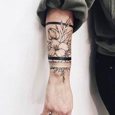 Tattoos And Body Art best tattoo artists Girly Tattoos, Mom Tattoos, Trendy Tattoos, Flower Tattoos, Body Art Tattoos, Hand Tattoos, Tattoos For Guys, Tattoos For Women, Tattos
