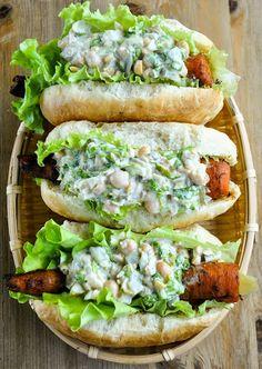 Smoky barbecue carrot dogs with creamy chickpea salad VeganSandra tasty cheap and easy vegan recipes by Sandra Vungi Veggie Recipes, Whole Food Recipes, Vegetarian Recipes, Cooking Recipes, Healthy Recipes, Delicious Recipes, Veggie Bbq, Dog Recipes, Dinner Recipes