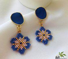 Loom Bracelet Patterns, Bead Loom Bracelets, Bracelet Crafts, Earring Tutorial, Bead Jewellery, Beaded Jewelry, Handmade Beads, Handmade Jewelry, Bead Earrings