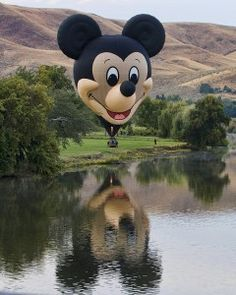 'The Happiest Balloon on Earth' Takes to the Skies Over Mexico for 11th Annual International Balloon Festival In Leon, Guanajuato