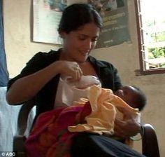 14 Daring Star Celebs Who Took Breastfeeding Photo in Public #Brelfie
