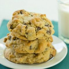 Levain Bakery Chocolate Chip Cookies from @Michelle Flynn Flynn (Brown Eyed Baker)