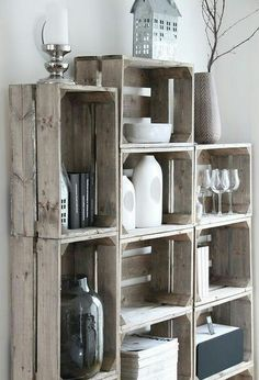 rustic decor inspiration, dining room ideas, home decor, kitchen design, kitchen island. Using old milk crates to create a shabbychic look and a practical shelving display unit . Cheap Home Decor, Diy Home Decor, Decor Crafts, Art Decor, Sweet Home, Diy Casa, Home Decor Kitchen, Kitchen Rustic, Kitchen Ideas