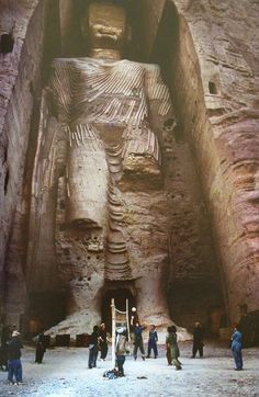 Buddha of Bamiyan Afghanistan 1992 before destruction, Steve Mc Curry Built in 554 AD in the blended classic Gandhara art. Destroyed by the Taliban in 2001.