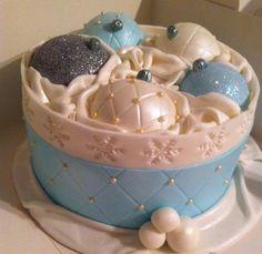 Christmas cakes 2014 - Cake by Sue Christmas Themed Cake, Christmas Cake Decorations, Christmas Cupcakes, Holiday Cakes, Holiday Desserts, Christmas Food Treats, Christmas Deserts, Christmas Baking, Bolo Minnie