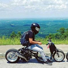 I like to copy that and use a hossack front end Custom Motorcycles, Custom Bikes, Custom Cars, Cars And Motorcycles, Honda Grom, Honda Cub, Moped Scooter, Trike Motorcycle, Moto Car