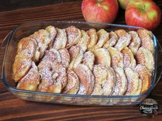 Babciny przepis na jabłka w cieście Delicious Cake Recipes, Yummy Cakes, Polish Recipes, Creative Food, Fall Recipes, Sausage, Food To Make, Sweet Treats, Food And Drink