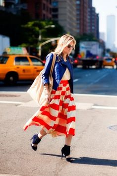 Very Patriotic, don't you think.  Okay, it's more of an Orange than a Red, but she still looks like a flag.  And I like it.