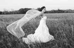 Photo+Fridays+|+Romantic+Field+Bridal+Portraits