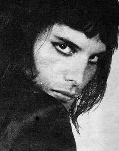 Freddie Mercury – Our Killer Queen💖💖 Queen Freddie Mercury, John Deacon, Queen Banda, Freedie Mercury, Queen Pictures, Brian May, Killer Queen, Glam Rock, Paramore