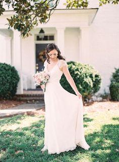 Tendance Robe De Mariée 2017/ 2018 : Gorgeous gown: www.stylemepretty... | Photography: Michael & Carina - www.michae...   https://flashmode.be/tendance-robe-de-mariee-2017-2018-gorgeous-gown-www-stylemepretty-photography-michael-carina-www-michae/  #RobeMariage