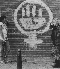 biểu tượng của phong trào nữ quyền xuất hiện ở mọi nơi - trong ảnh là graffiti đường phố
