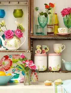 Too much is never enough in this instance - how gorgeous does this little corner look!