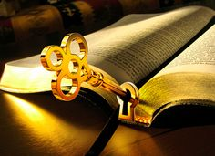 Christian Artwork, Christian Images, Bible Art, Bible Scriptures, Good News Bible, Church Backgrounds, Heaven Art, Moonlight Photography, Gods Princess