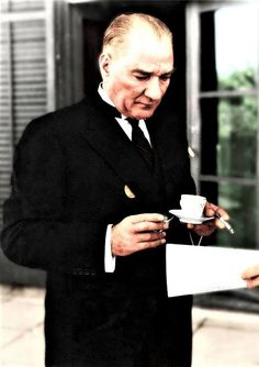 Mustafa Kemâl Atatürk's having Turkish coffee. Smart Casual Wear, The Legend Of Heroes, Recording Studio Design, Great Leaders, Galaxy Wallpaper, Historical Pictures, Background S, Latest Fashion Trends, Stylish Outfits
