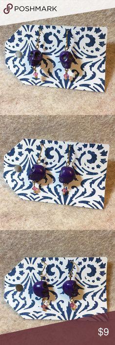 Purple Skull 💀Earrings Handmade purple skull earrings. Measures just over 1.5 inches. Handmade Jewelry Earrings