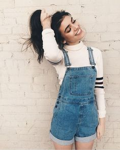 Tendance salopette 2017 Tendance salopette 2017 Try This Summer Short Overall Jeans Outfit Ideas Street Style Outfits, Mode Outfits, Casual Outfits, Fashion Outfits, Overalls Fashion, Fashion Ideas, Teen Outfits, Simple Outfits, Fashion 2018