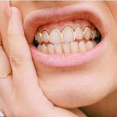The most trendy and cool Grillz / Teeth Grills / Teeth Jewels out there. Looking for the best Grillz? We've got many pieces ON SALE! Check it out Healthy, white teeth are a very importan Gold Teeth, White Teeth, Fille Grillz, Diamond Grillz, Diamond Teeth, Grillz Gold, Tooth Gem, Grills Teeth, Teeth Bleaching