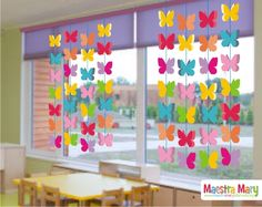 Excellent DIY Classroom Decoration Ideas & Themes to Inspire You School Window Decorations, Diy Classroom Decorations, Spring Decorations, Decoration Creche, Class Decoration, Preschool Crafts, Diy Crafts For Kids, Toddler Classroom, Spring Crafts