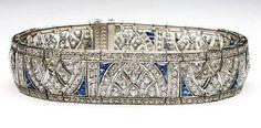 Art Deco articulated platinum cuff bracelet, circa 1920.