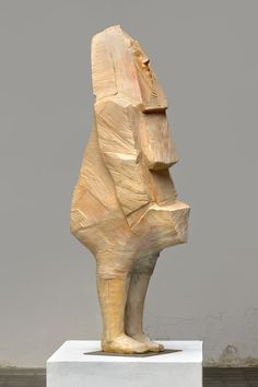 Art from Spain - Francisco Leiro Lois - 1957 Pontevedra. Paper Mache Sculpture, Abstract Sculpture, Sculpture Art, Outdoor Sculpture, Stone Sculpture, Contemporary Sculpture, Wooden Crafts, Wood Carving, Les Oeuvres