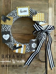 Project Life Card Wreath at Tatertots  and Jello! So cute!