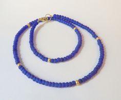 Kette mit Rocailles in blau gold von soschoen auf DaWanda.com