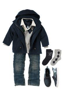 Now here is a gymboree outfit I can stand for the boys :)...so adorable