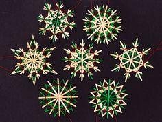 Henrike Bratz Christmas And New Year, Vintage Christmas, Christmas Crafts, Christmas Decorations, Straw Weaving, Putz Houses, Christmas Traditions, Scandinavian, Origami