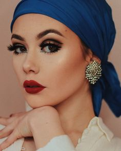 Makeup Goals, Makeup Inspo, Makeup Art, Makeup Inspiration, Hair Makeup, Make Up Looks, Retro Makeup, Vintage Eye Makeup, 70s Makeup