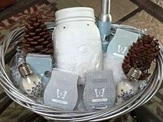 Wickless candles and scented fragrance wax for electric candle warmers and scented natural oils and diffusers. Shop for Scentsy Products Now! Christmas Gift Baskets, Christmas Candles, Christmas Gifts, Christmas Shopping, Merry Christmas, Gift Baskets For Men, Auction Baskets, Queen, Aromatherapy