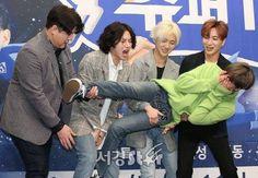 LOL poor Heechul! Super Junior always makes you laugh. #SuperJunior