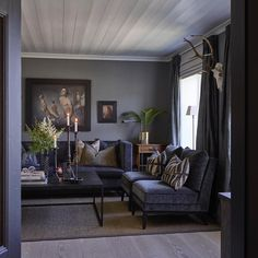 Home of Halvor Bakke, Norwegian designer My Living Room, Living Room Decor, Living Spaces, Feng Shui, Home Interior Design, Interior Decorating, Room Interior, Decorating Ideas, Dark Interiors