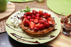 Strawberries Overload Churros Waffle, Tsokolateria Tagaytay