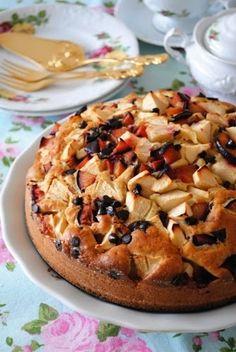 Nefis ve Pratik Tarifler: Meyveli Kek