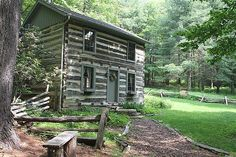 3 Sisters Log Cabin in the Blue Ridge Mountains of Virginia