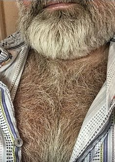Teenage Hairstyles, Perfect Beard, Daddy Bear, Hairy Chest, Fine Men, Hairy Men, Facial Hair, Mens Fitness, Hot Guys