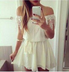 Vestido branco com renda efeito ciganinha ♥   Pinterest : Rafaela Abreu ♡ ♚
