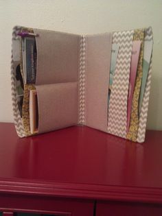 Magazine and Tract Portfolio. Yellow flowers by SheilasGiftShoppe